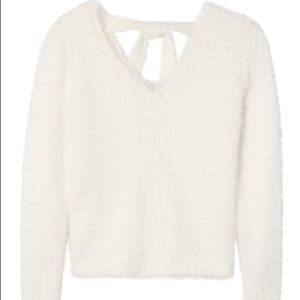 ❣️Banana Republic V-Neck Fuzzy Sweater
